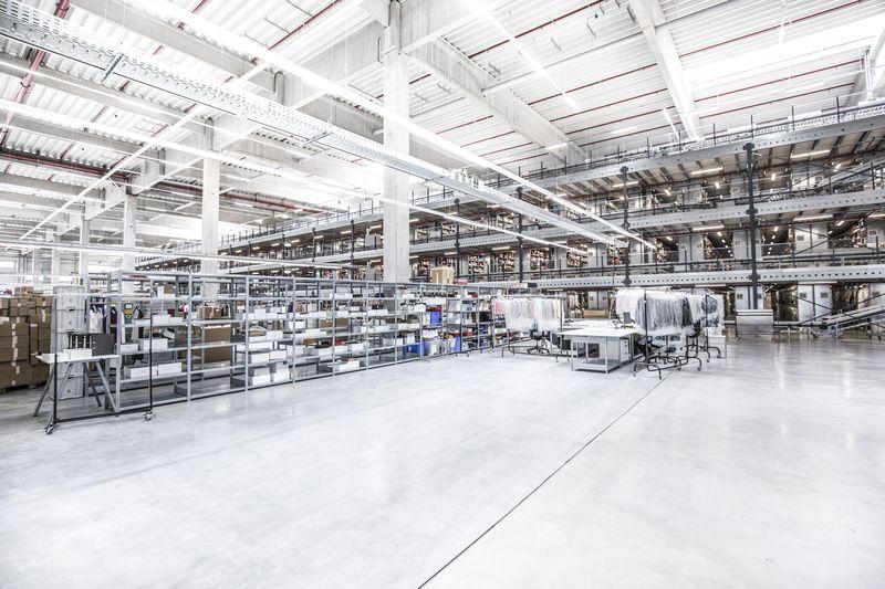 mytheresa-Lager-2 Logistik selber machen: Lesara und Mytheresa weisen den Weg im E-Commerce Fulfillment
